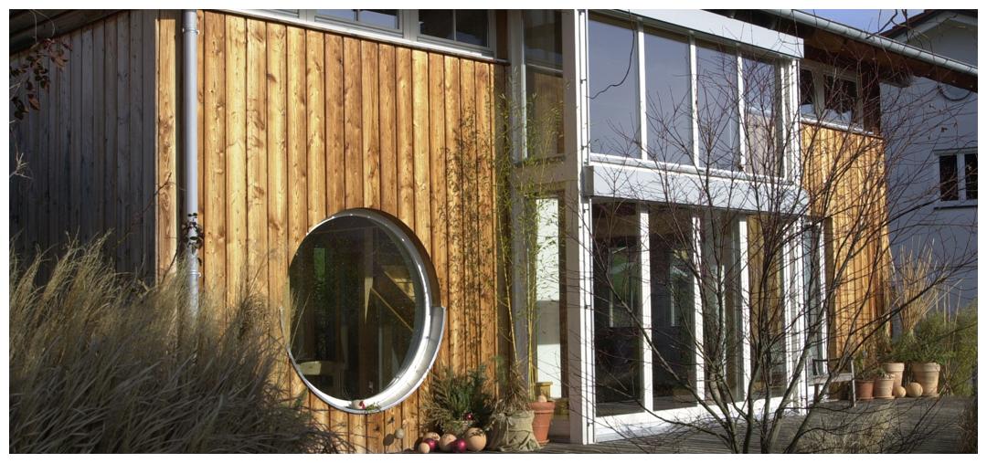 Moderne Fassade von Moser Holzbau | Außenansicht