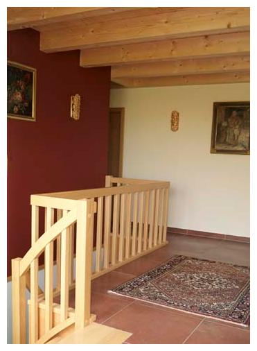 Moser Holzbau Rahmenhaus Haus Referenz Innenraum Treppe