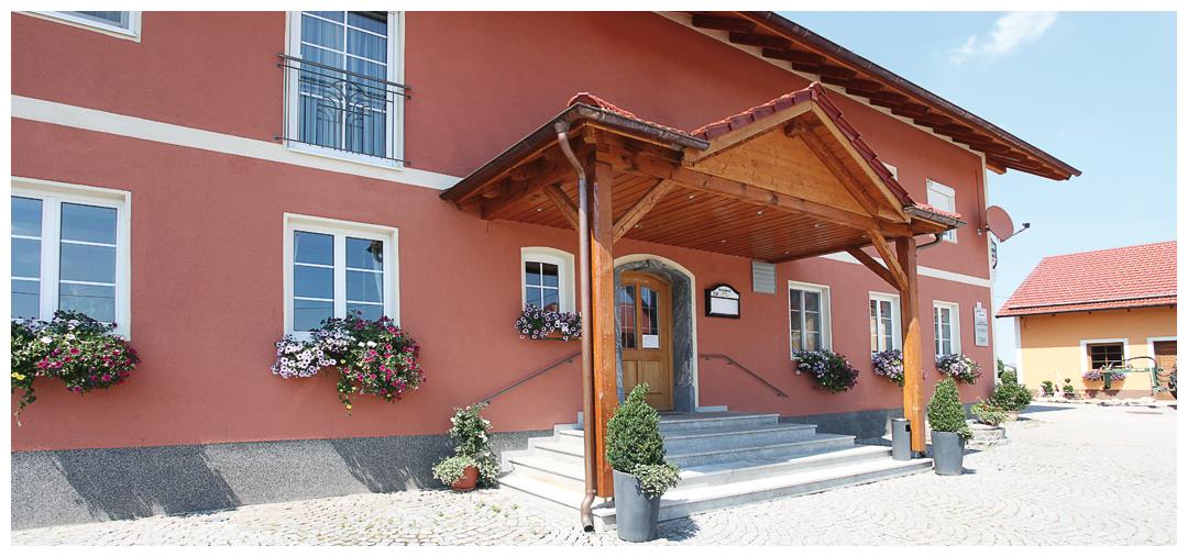 Sanierung und Umbau der Überdachung und Haustüre von Moser Holzbau