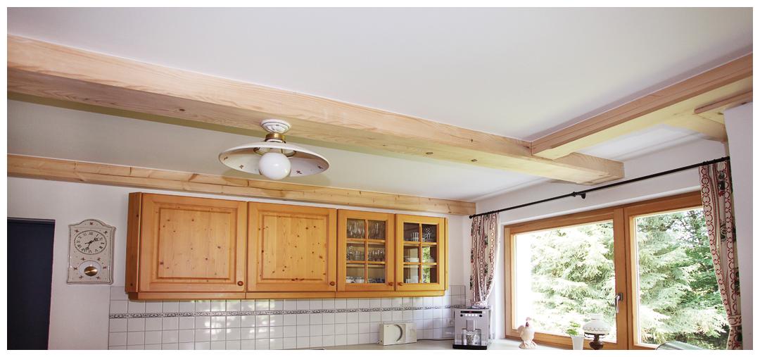 Blockhaus Sanierung und Umbau der Küche von Moser Holzbau | Innenansicht