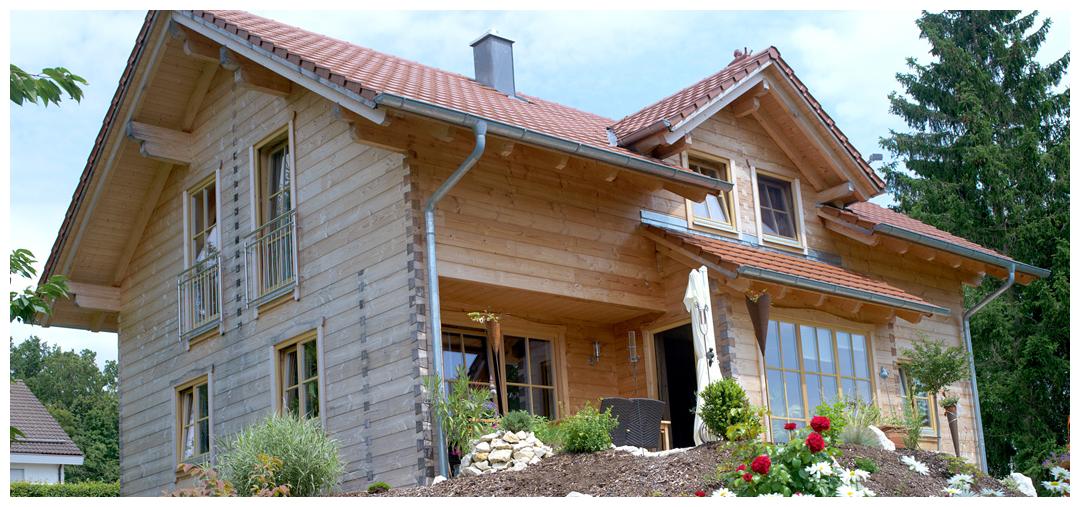 Moser Holzbau Bohlenhaus aus Holz | Außenansicht
