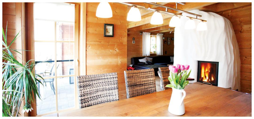 Esstisch aus Holz von Moser Holzbau