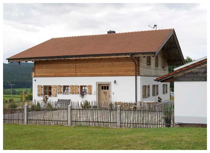 Holzzaun einer Einfahrt von Moser Holzbau