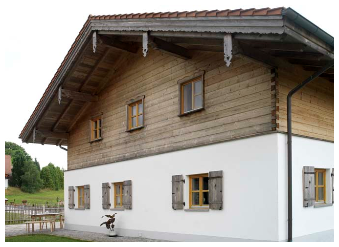 Moser Holzbau Dachverzierung aus Holz | Außenansicht